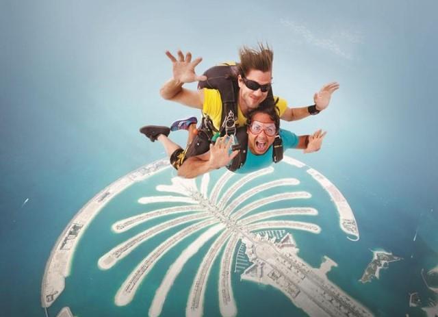 w640_276346_276343_5355_emirates_skydive_a3newfullbuyout.jpg