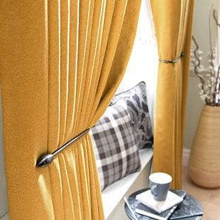 Half Price Pencil Pleat Curtains - Charlton - Red